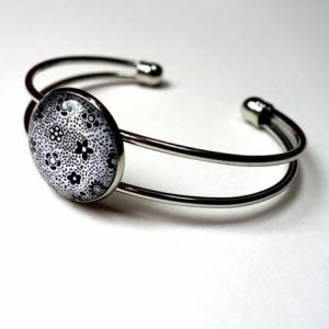 Bracelet Les petites fleurs noires