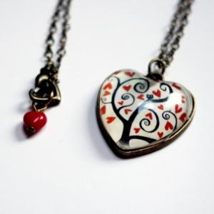 Collier coeur Arbre à coeurs rouges