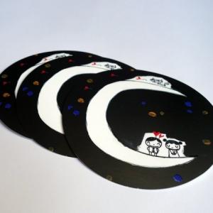 Trois cartes rondes Les amoureux sur la lune