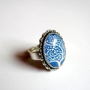 Vintage ring White tree