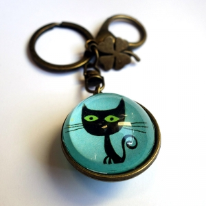 Reversible keychain Lothario the cat and his friend