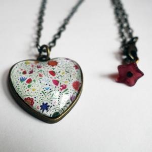 Heart necklace Bouquet of flowers
