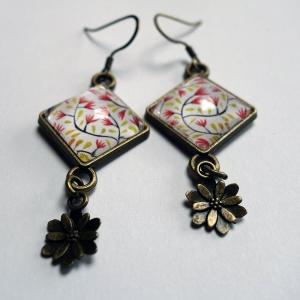 Boucles d'oreilles losange Petites fleurs rouges