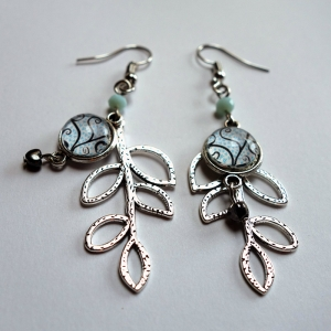 Leaf earrings Blue hearts tree