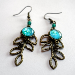 Leaf earrings Blue cherry