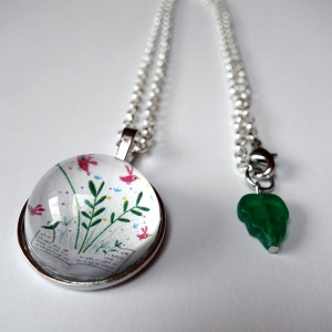Round necklace Spring book