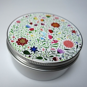 Round Box Bouquet of flowers