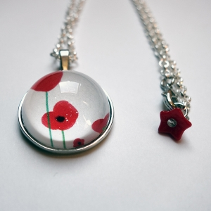 Round necklace Poppies
