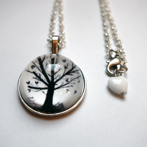 Round necklace Hearts tree