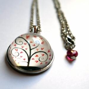 Collier Arbre à coeurs roses