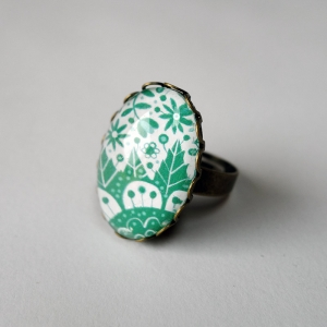 Ring Emerald flowers