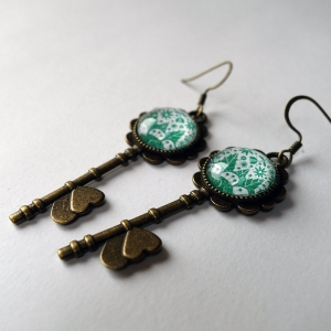 Key earrings Emerald flowers