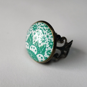 Vintage ring Emerald flowers
