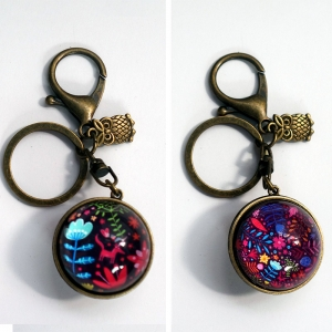 Reversible keychain An unicorn among flowers