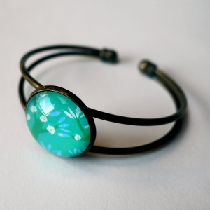 Cuff bracelet Blue cherries