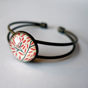 Cuff bracelet Red leaves