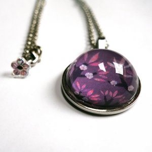 Round necklace Violet cherries