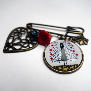 Kilt brooch Flowerish peacock