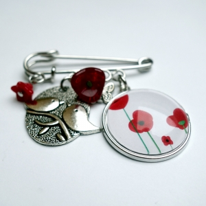 Kilt brooch Poppies