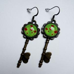 Key earrings Green poppies
