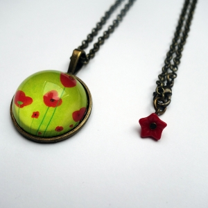 Round necklace Green poppies