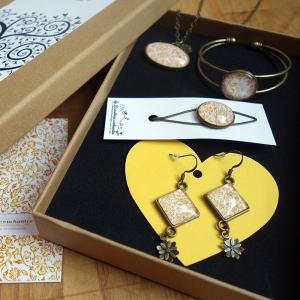 Gift box Yellow roses