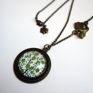 Vintage necklace Greenfinch tree