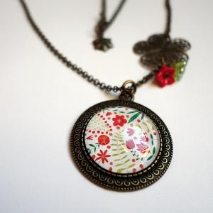 Vintage necklace Madder