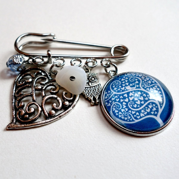 Large kilt brooches